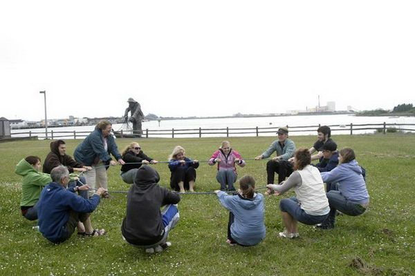 Trust Circle Team Building Activities The Group Must Stand In A