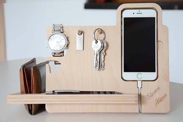 The Handmade Desk Organizer With Watch Stand Iphone Dock Key Holder And More Docking Station Handmade Desks Wooden Docking Station