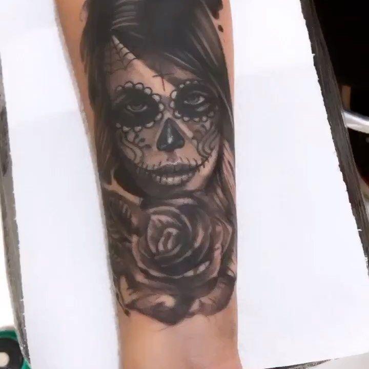 #🇨🇺#🇺🇸 #🇧🇷 ........ ⚡️⚡️⚡️.... #tattooer #tattooinkspiration  #tattoomiami #intenzeink #tattoobrasilia #bahia #tattooedgirls #tattoobeach #cheyenne #dynamicink  #neotraditionaltattoos #neotradicionaltattoo #neotradicionaltattoo #tattoowork #santostattoo #santostattoofestival