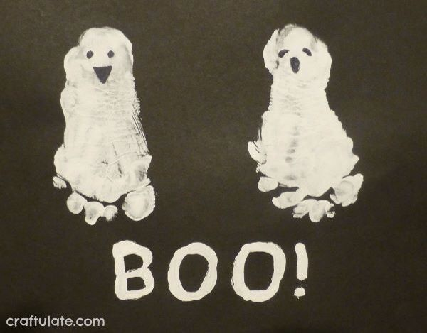 Ghostly Feet! Halloween!!/Fall Pinterest - how to make halloween decorations for kids