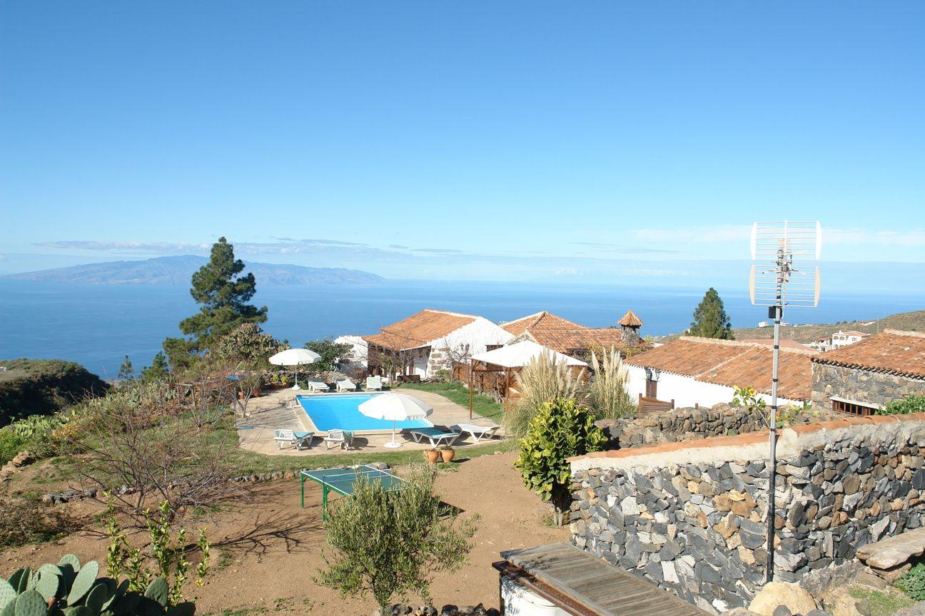 Casa Rural PINO Y POLEO (Adeje-Tenerife Sur) https://www.youtube ...