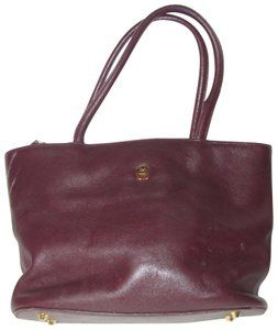 da560ba2508f Etienne Aigner Multiple Compartment Excellent Vintage Two-way Style Gold  Hardware Tote in burgundy leather