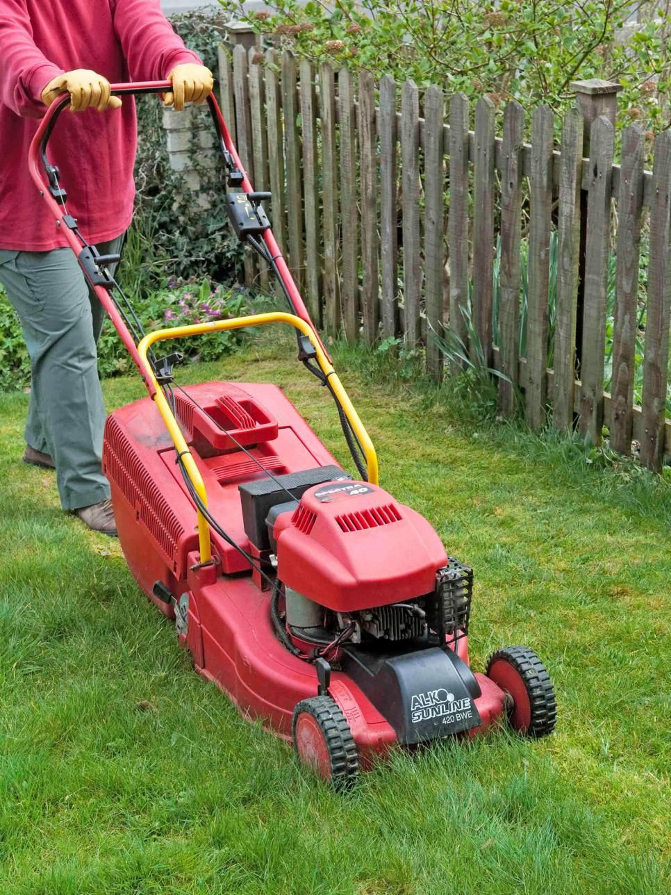 13 Mowing Tips For A Healthy Lawn Http Bit Ly 1nilomj Garden Lawncare Life