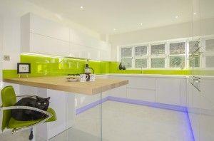 Arrital cucine - Cucina moderna con ante verde acido | Kitchen ...