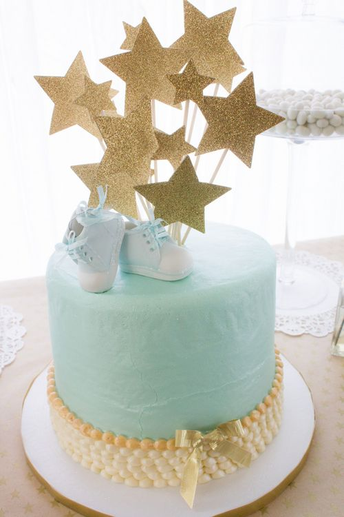 Cute Blue And Gold Baby Shower Cake Baby Shower Cakes Chas De