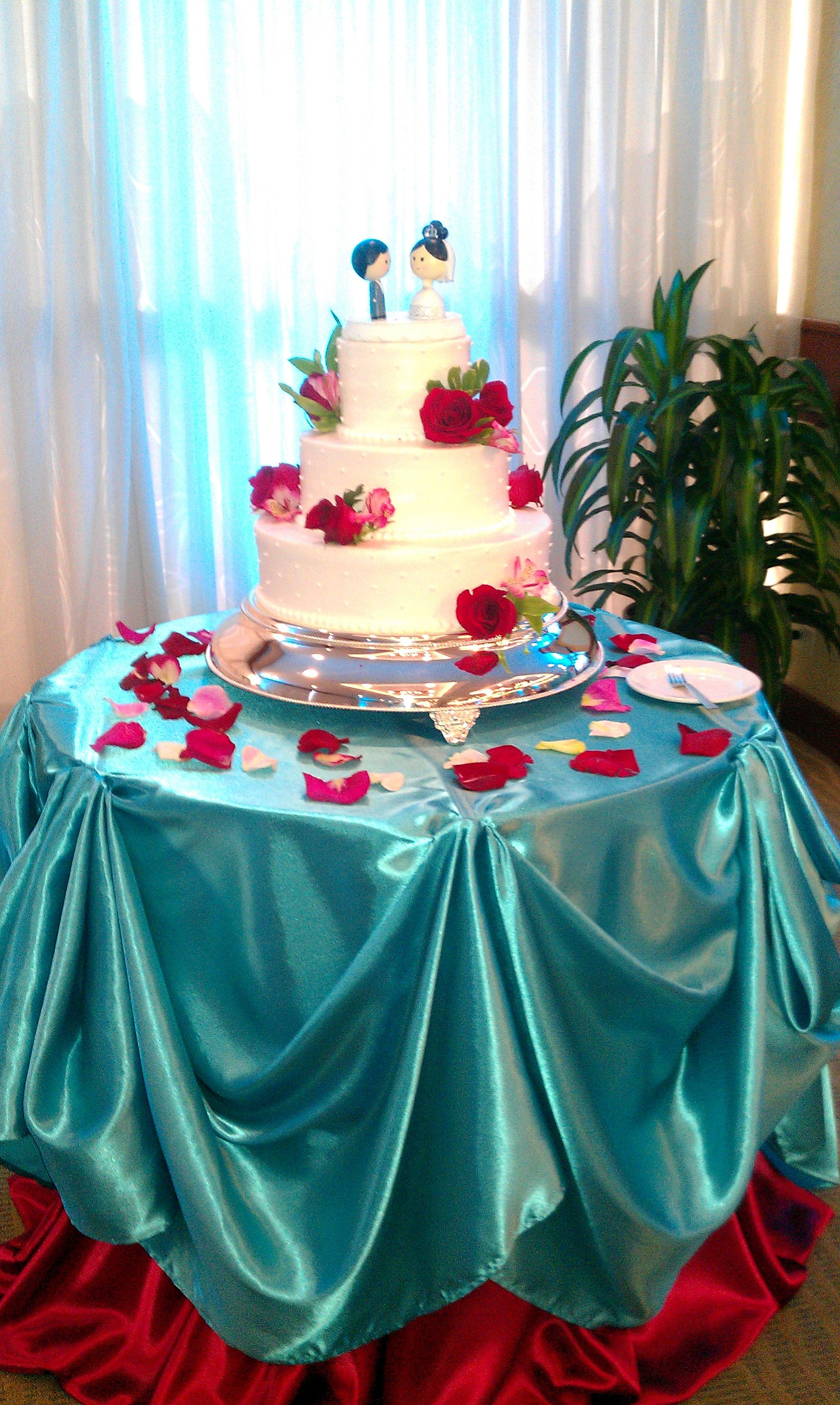 Tiffany blue and red cake table draping done by it 39 s so for Pretty wedding table decorations