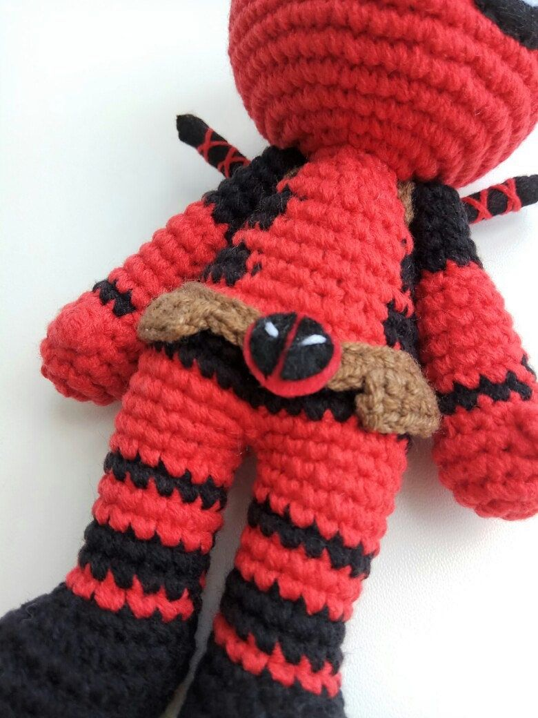 Deadpool Crochet Pattern (With images) | Amigurumi pattern ... | 1040x780