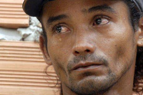 Após passar 3 anos preso injustamente, ser estuprado, e contrair HIV na cadeia, ex-pedreiro ainda luta por idenização - Geledés