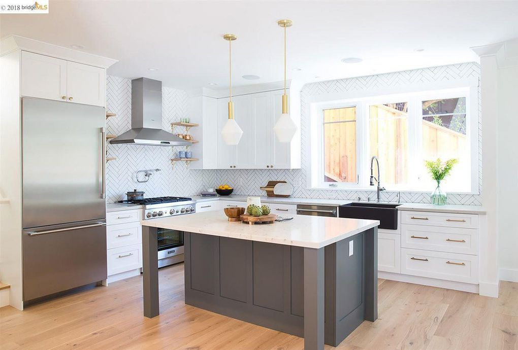 1169 Cragmont Ave Berkeley Ca 94708 White Kitchen Decor Interior Design Kitchen Kitchen Design