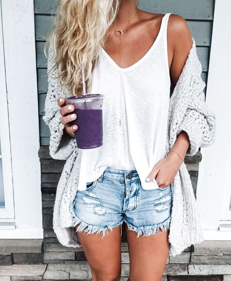 7 Perfect Summer Shorts Outfit Ideas for Every Style - DIY Darlin'