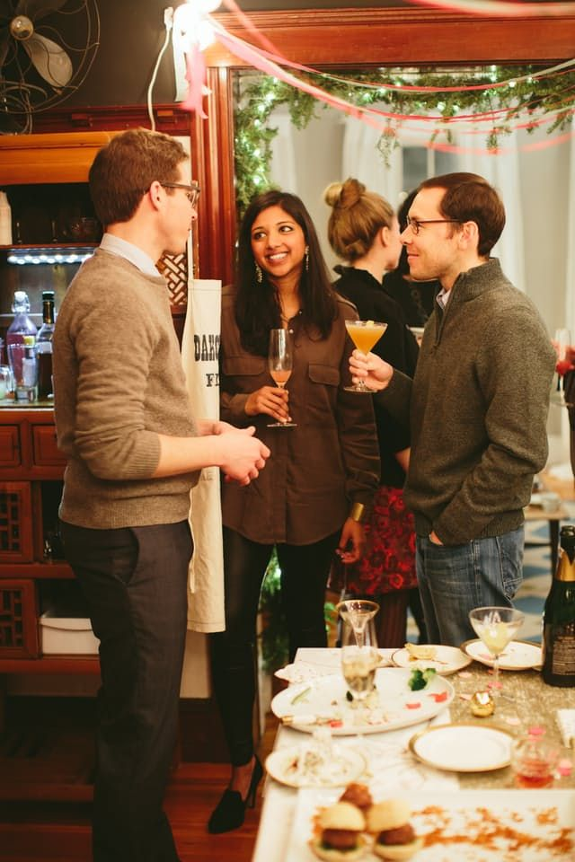 5 Rules For Hosting A Holiday Party In A Small Apartment House