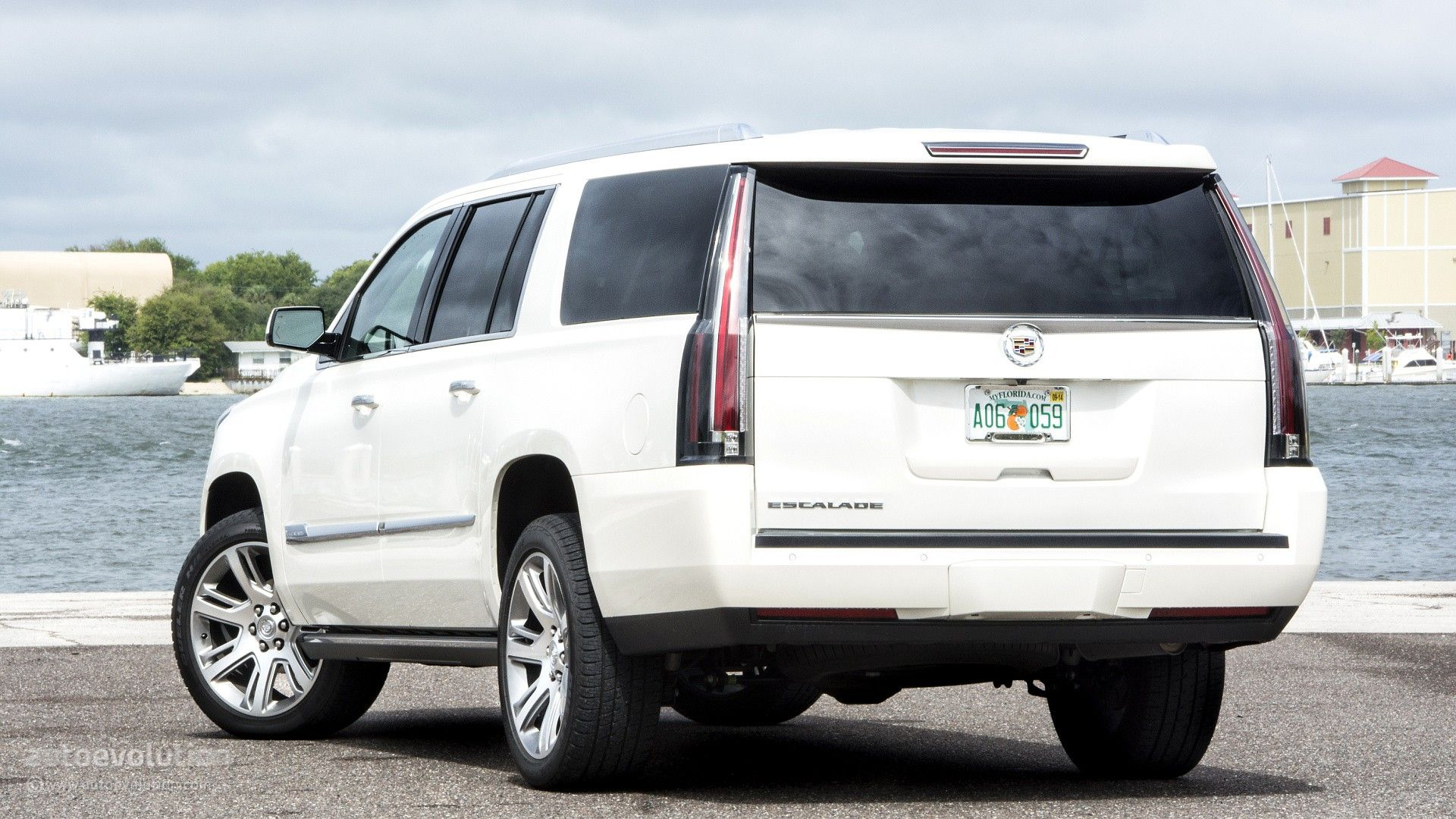 2015 cadillac escalade review http www autoevolution com reviews cadillac escaladehtml
