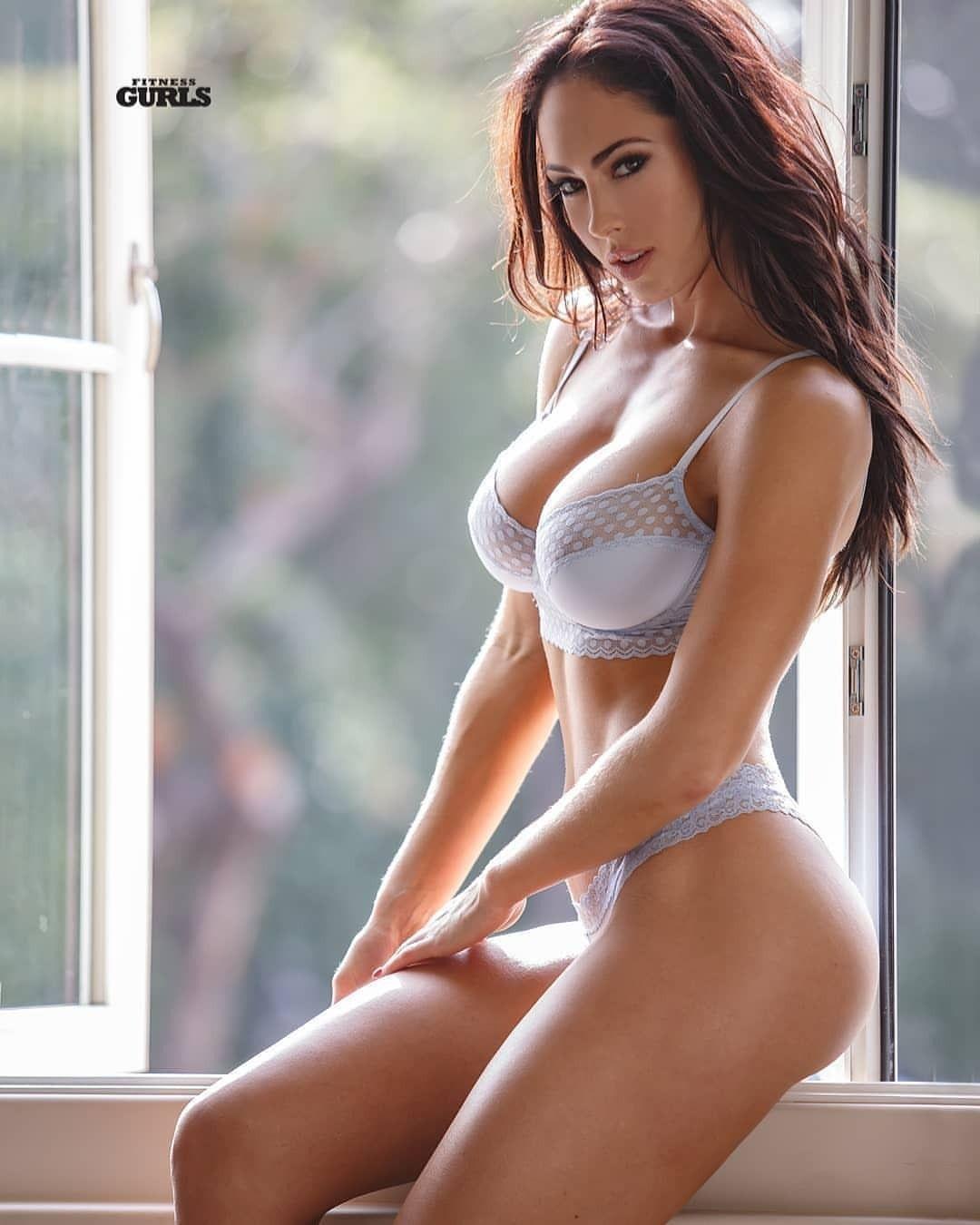Die hübscheste frau der welt nackt