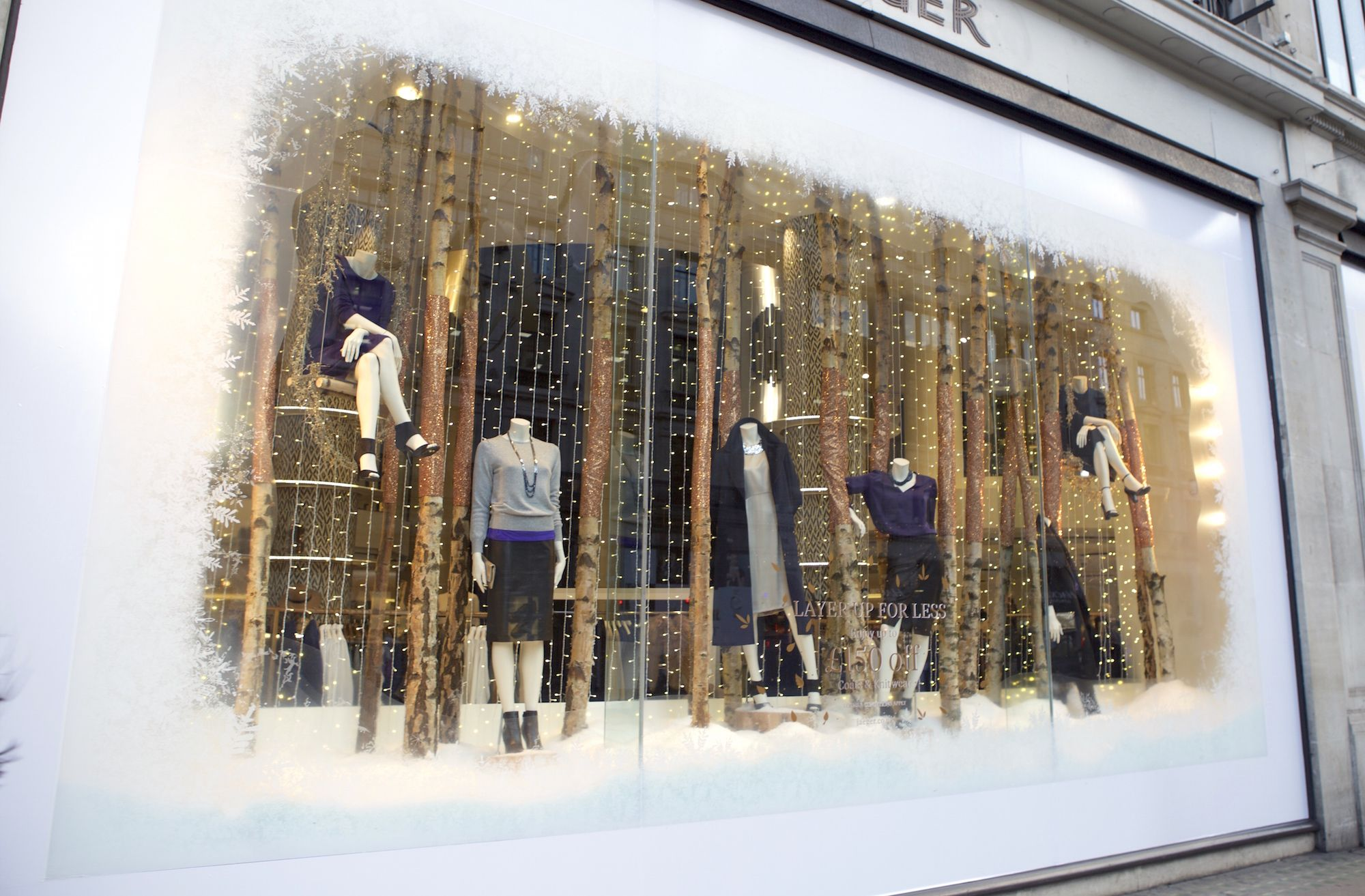 @jaegerofficial on #RegentStreet have got their #Christmas wardrobe ready.