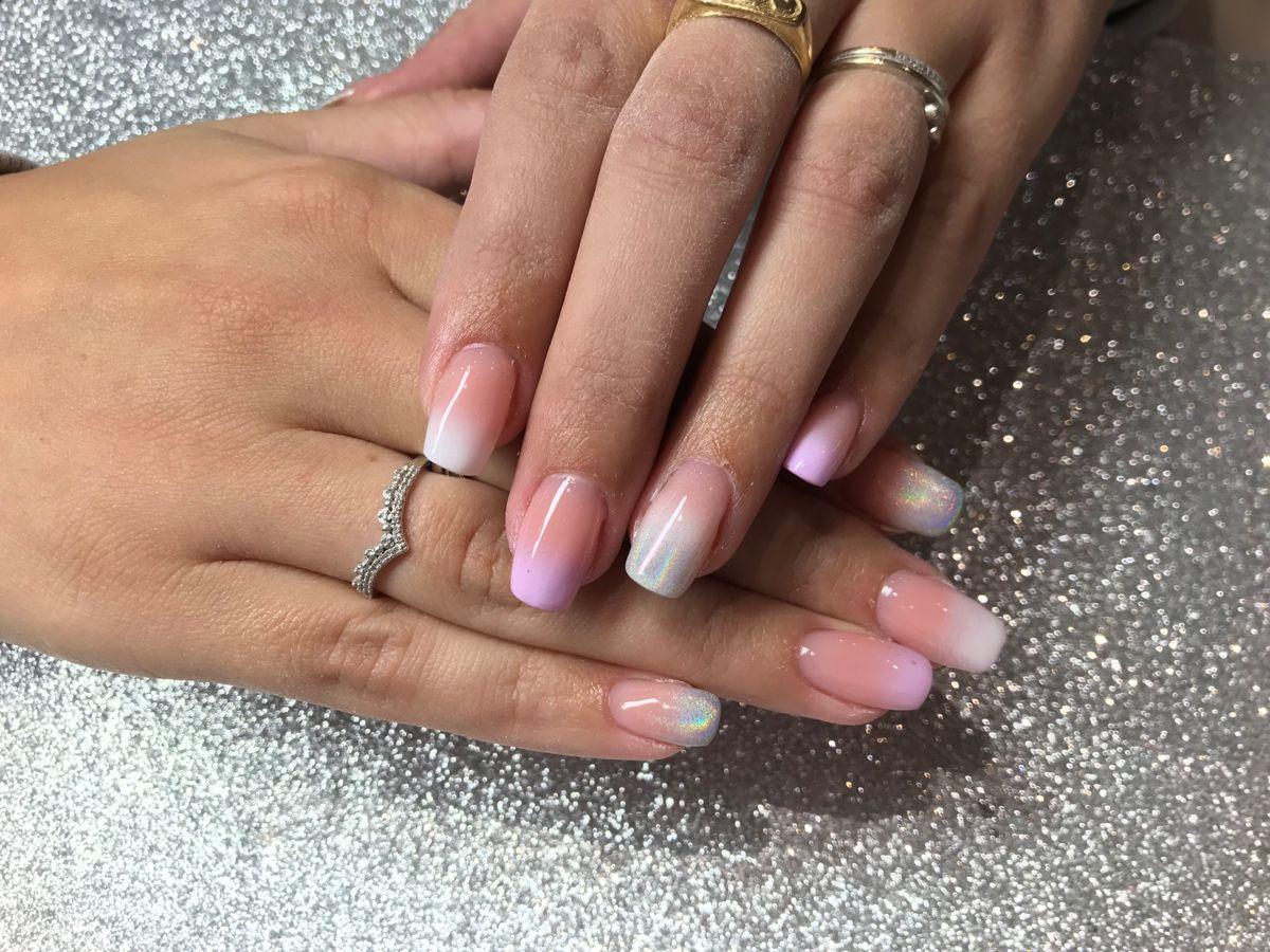 vernis à ongles en 2020 | Vernis à ongles, Ongles rose