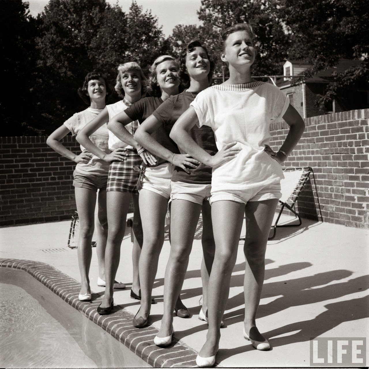 526f98703f2 Short Shorts in the 1950s | Vintage Women's Fashion | Fifties ...