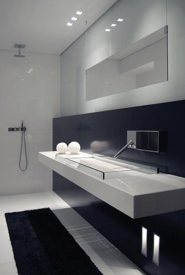 Black And White Bathroom Side Lighting