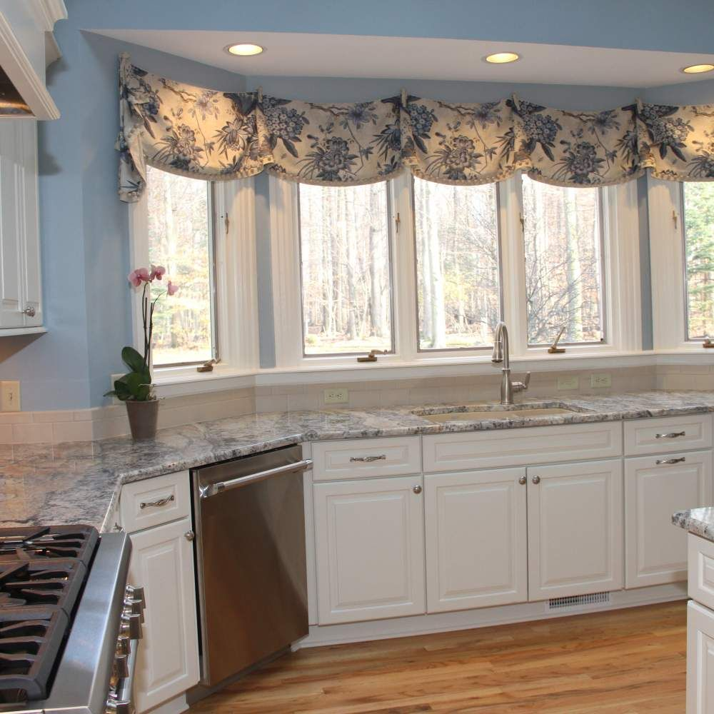 Traditional White Kitchen With Blue Azurite Granite White Kitchen Traditional White Kitchen Kitchen Design