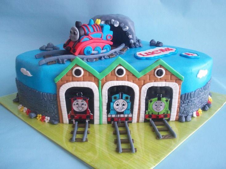 Fabulous Thomas de trein taart | Cake Ideas | Cake, Birthday cake, Cupcake @YR28