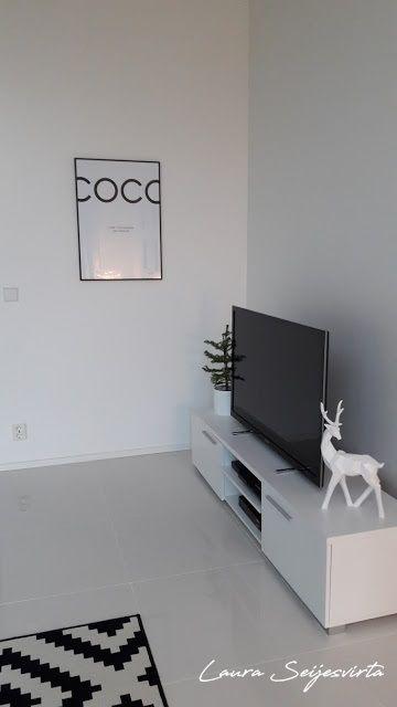 Modern/Livingroom/Valkoinen olohuone/ Avara olohuone