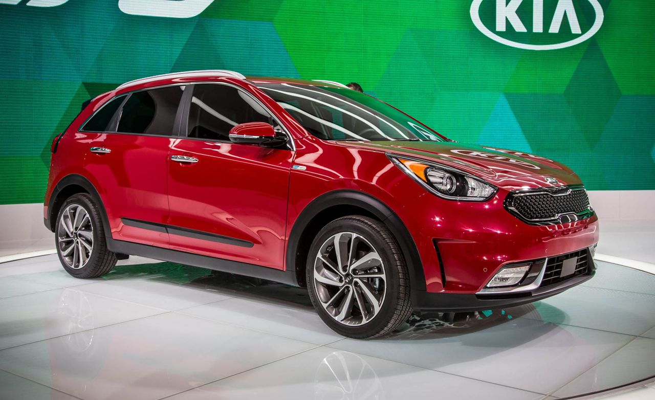 2020 Kia Niro Review Pricing And Specs Kia Bmw Car Car