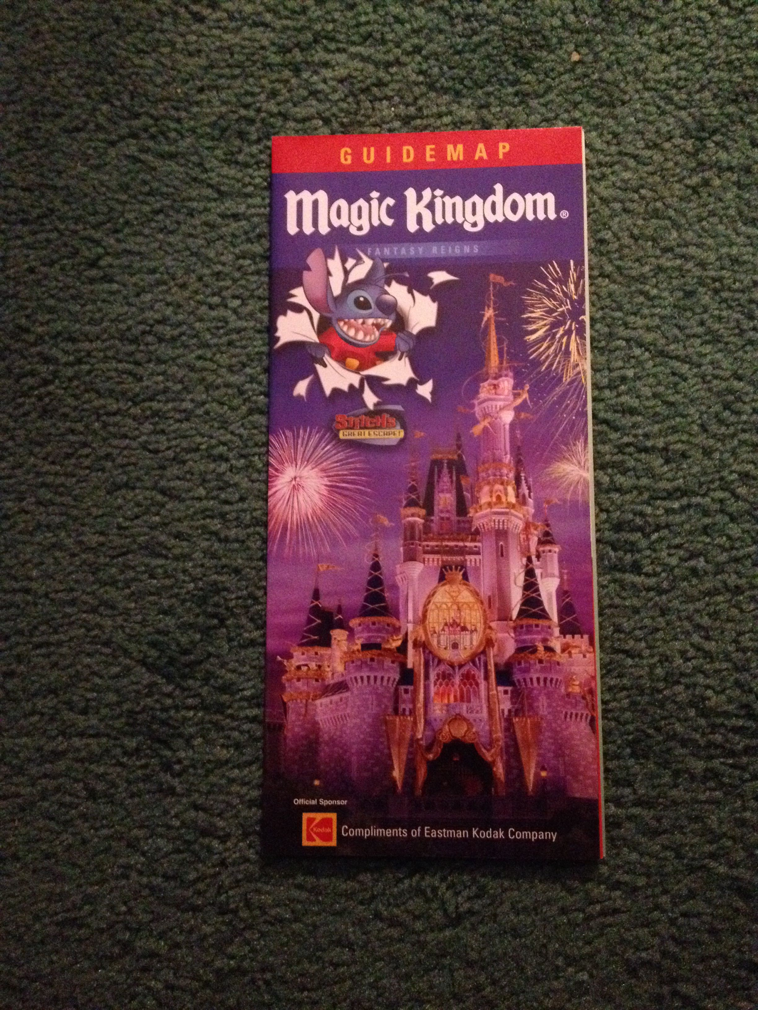 Wdw magic kingdom 2005 guide map Wdw