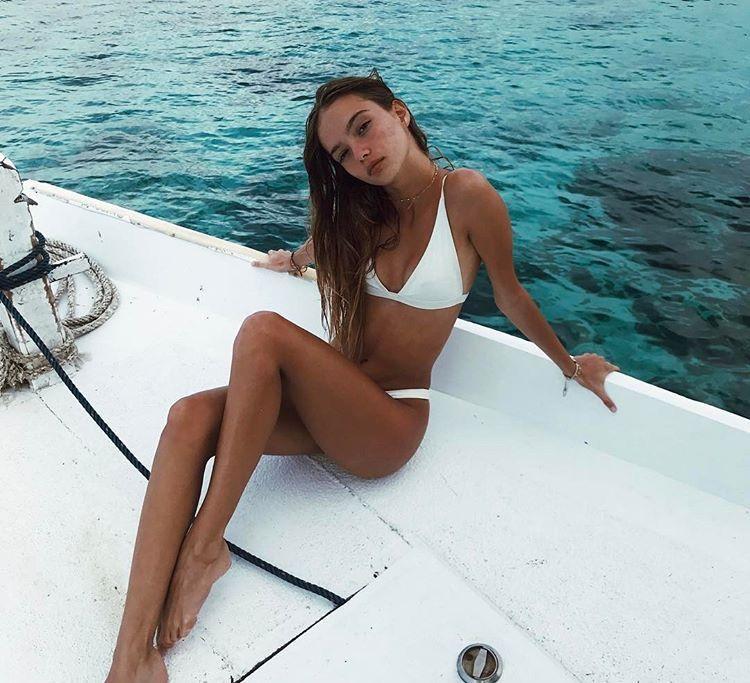 Girls who suck tits