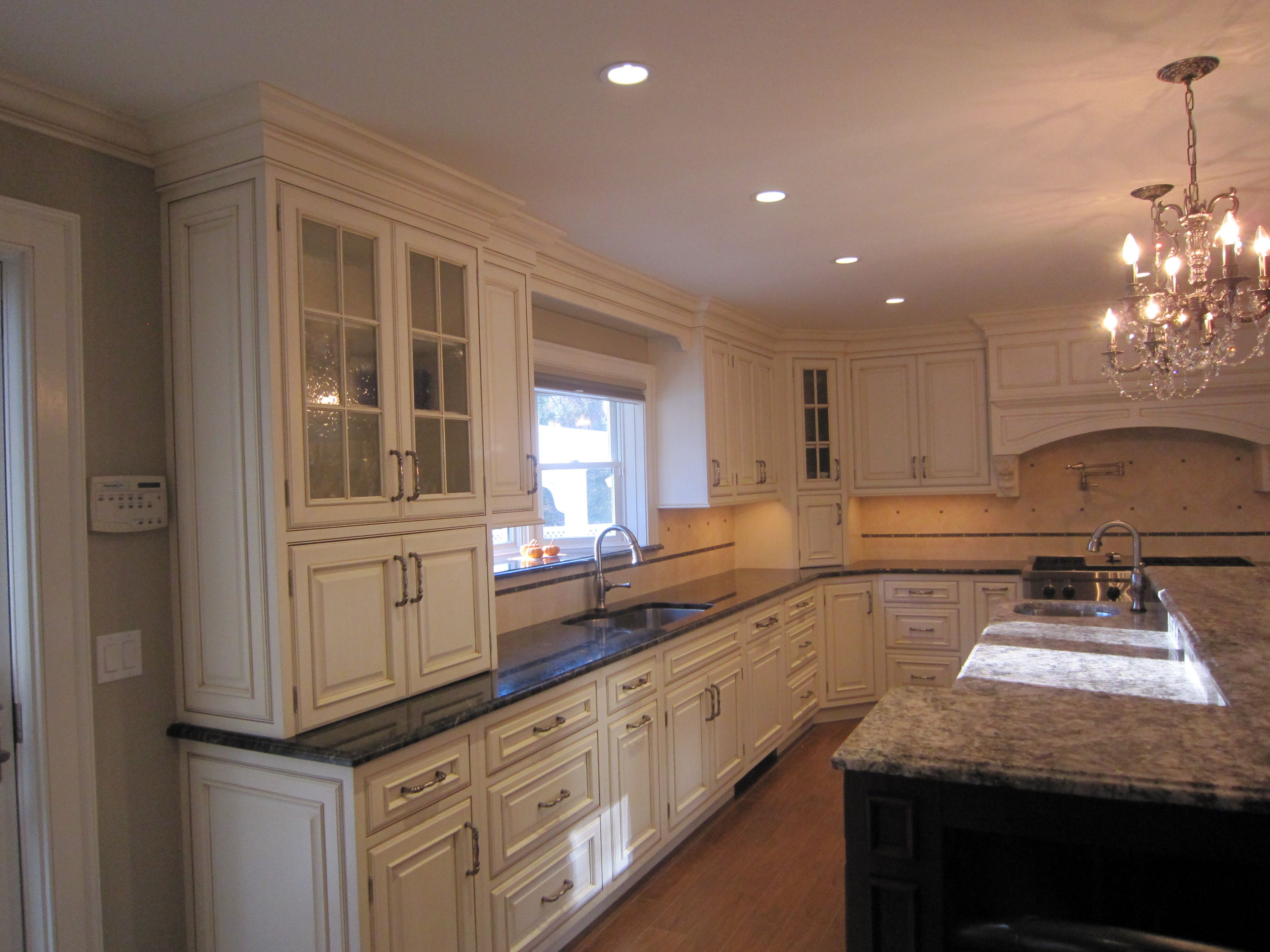 Etonnant Majestic Kitchens And Bath Designer: Vincent Carilli Plain U0026 Fancy  Cabinetry   Kent Raised Panel