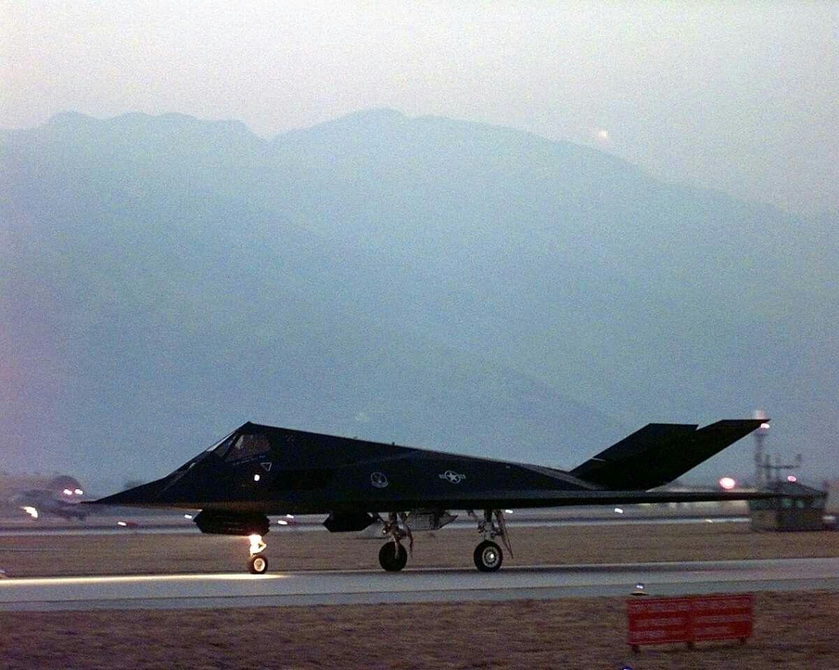 Pin by Hing W/o on F117 Nighthawk Military aircraft
