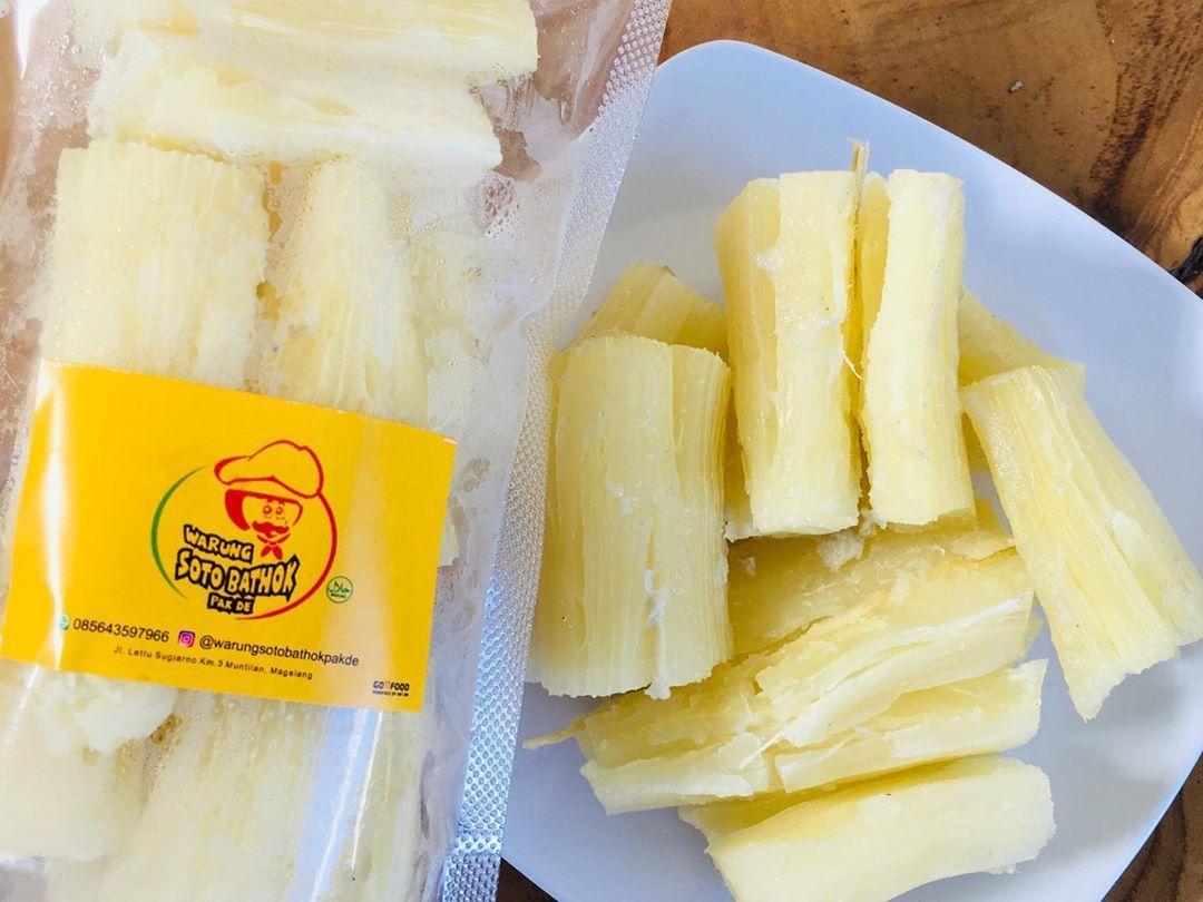 Warung Soto Bathok Pak De On Instagram Singkong Rebus Langsung Dimakan Juga Udah Enak Rasanya Gurih Asin Bisa Juga Di 2020 Makanan Resep Masakan Indonesia Rebusan