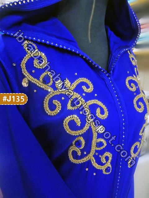الإبرة الذهبية جلابة مغربية برشمة العقيق المرصعة بالذهبي تناسق و جاذبية Fashion Image Brooch
