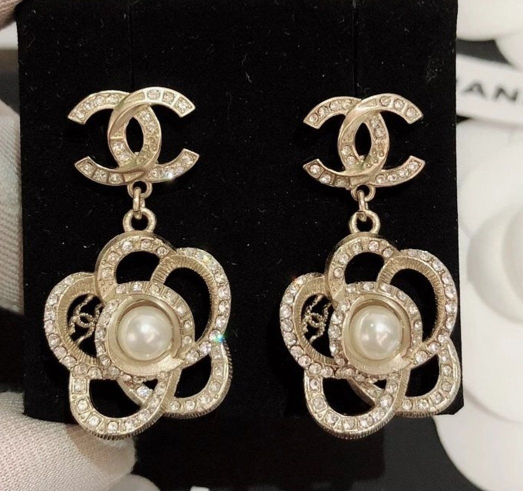 Chanel Camellia Gold Cc Metal Stud Pearl Crystal Dangle Earrings Nib Chanel Earrings Chanel Jewelry Earrings Crystal Dangle Earrings