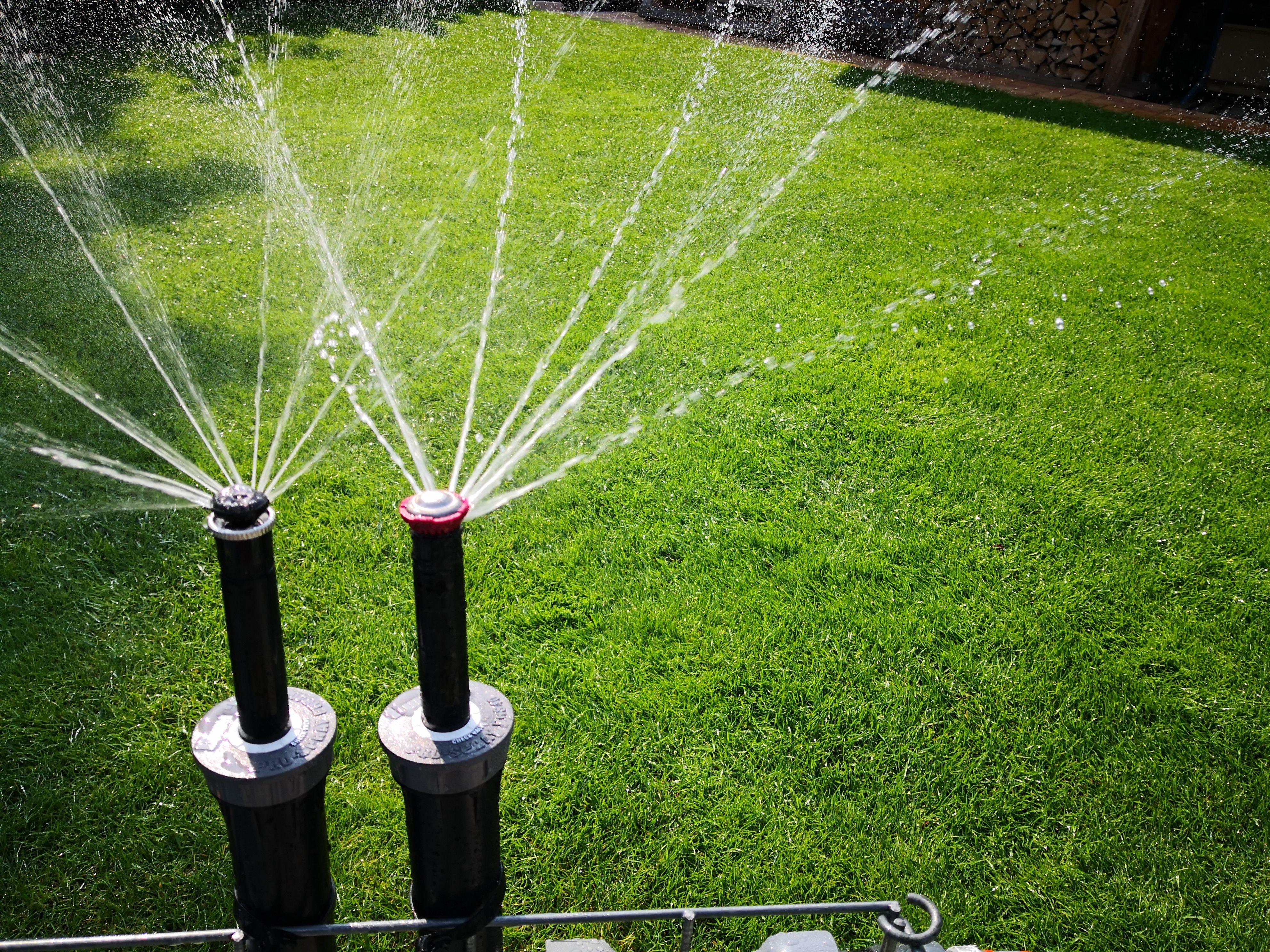 Rasenbewasserung Vergleich Hunter Mp Rotator Vs Rainbird R Van Garten Bewasserungssystem Bewasserung Hunter Bewasserung