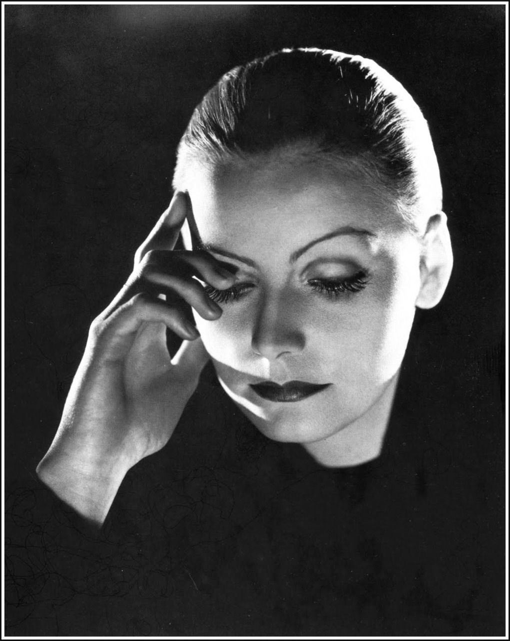 The face of greta garbo by clarence bull assorted for Garbo arredamenti