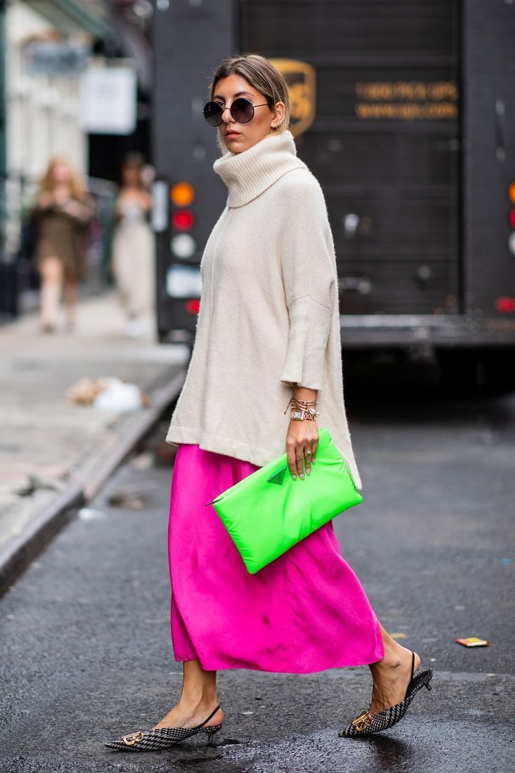 The Best Street Style Of New York Fashion Week SS20 The city that never sleeps on good style #elbiseler