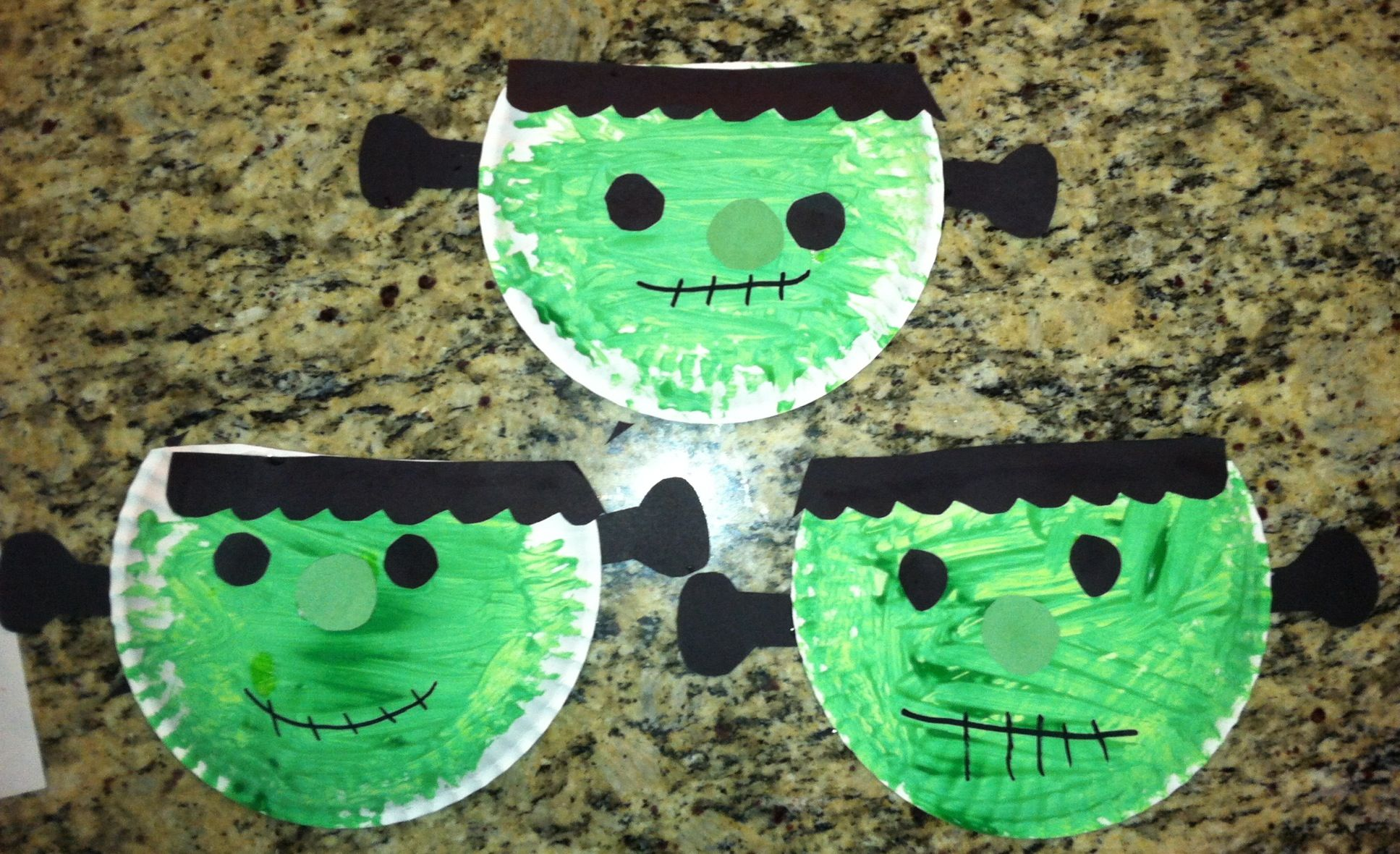 Paper plate Halloween preschool craft. Frankenstein | Kids stuff ...