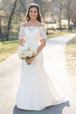 Real Bride Emily Wearing A Build A Bride Coco Marie Chloe Crop Top Wedding Dresses Vintage Wedding Dresses Trendy Wedding Dresses Wedding Dresses Lace