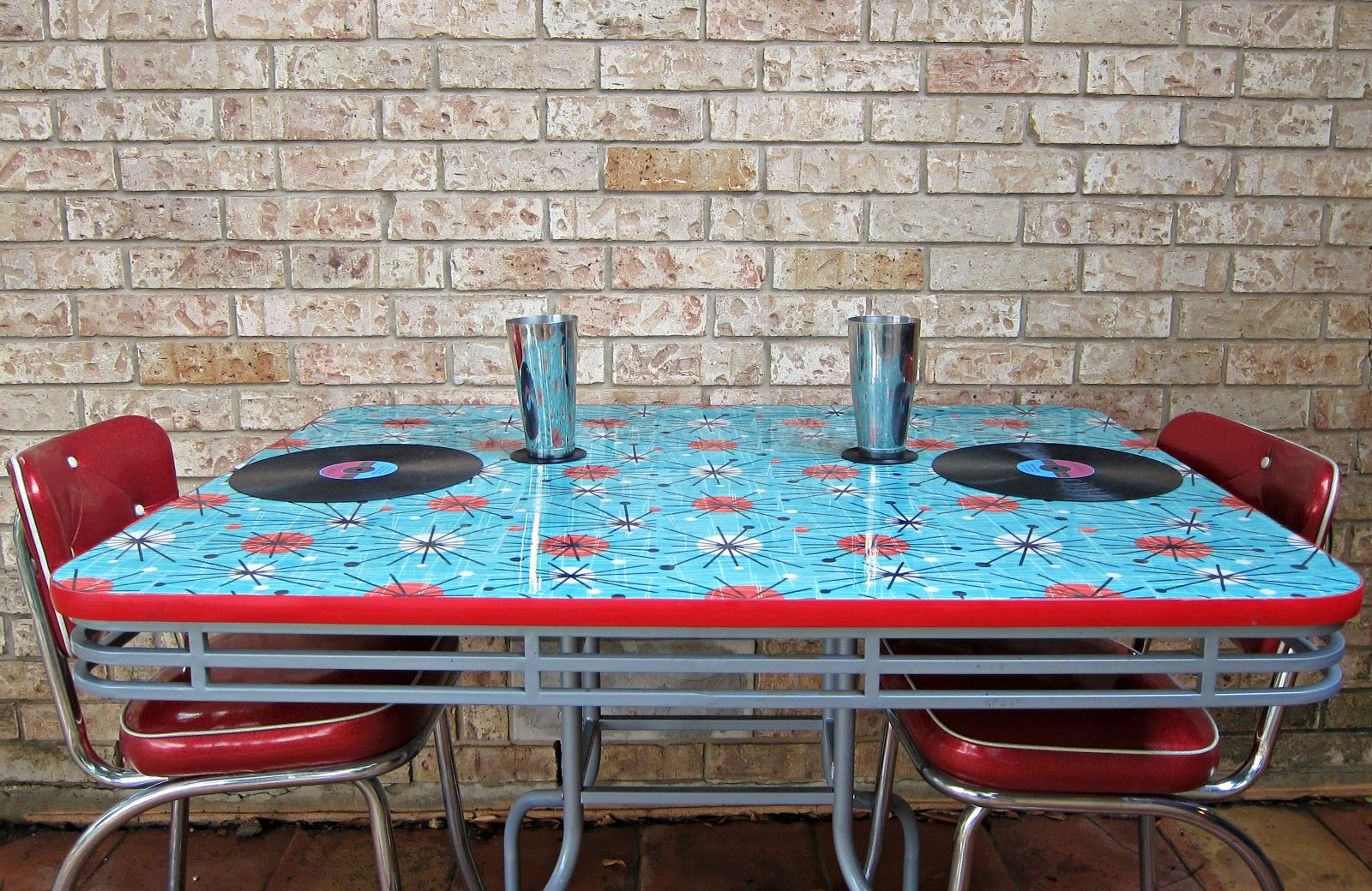 morena\'s corner: How to Refinish a Dining Table with Fabric, Mod ...