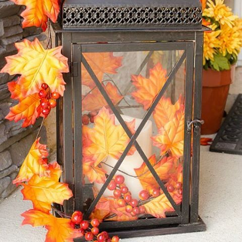 Good Sunday morning! Have a lovely autumn day! How I created this gorgeous outdoor fall decorated lantern is on the blog. Link is in the profile. #timewiththea #falldecor #porchideas