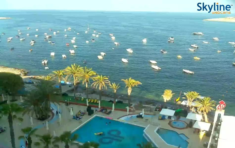 Live Cam Qawra Coast St Paul S Bay Greece Italy Spain Portugal Malta Cyprus In 2020 Italy Spain Spain And Portugal Malta