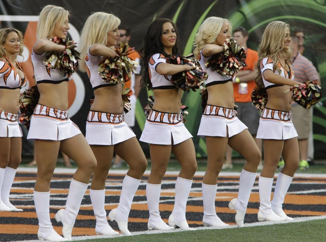 Washington Redskins Cheerleaders  fa64205d2