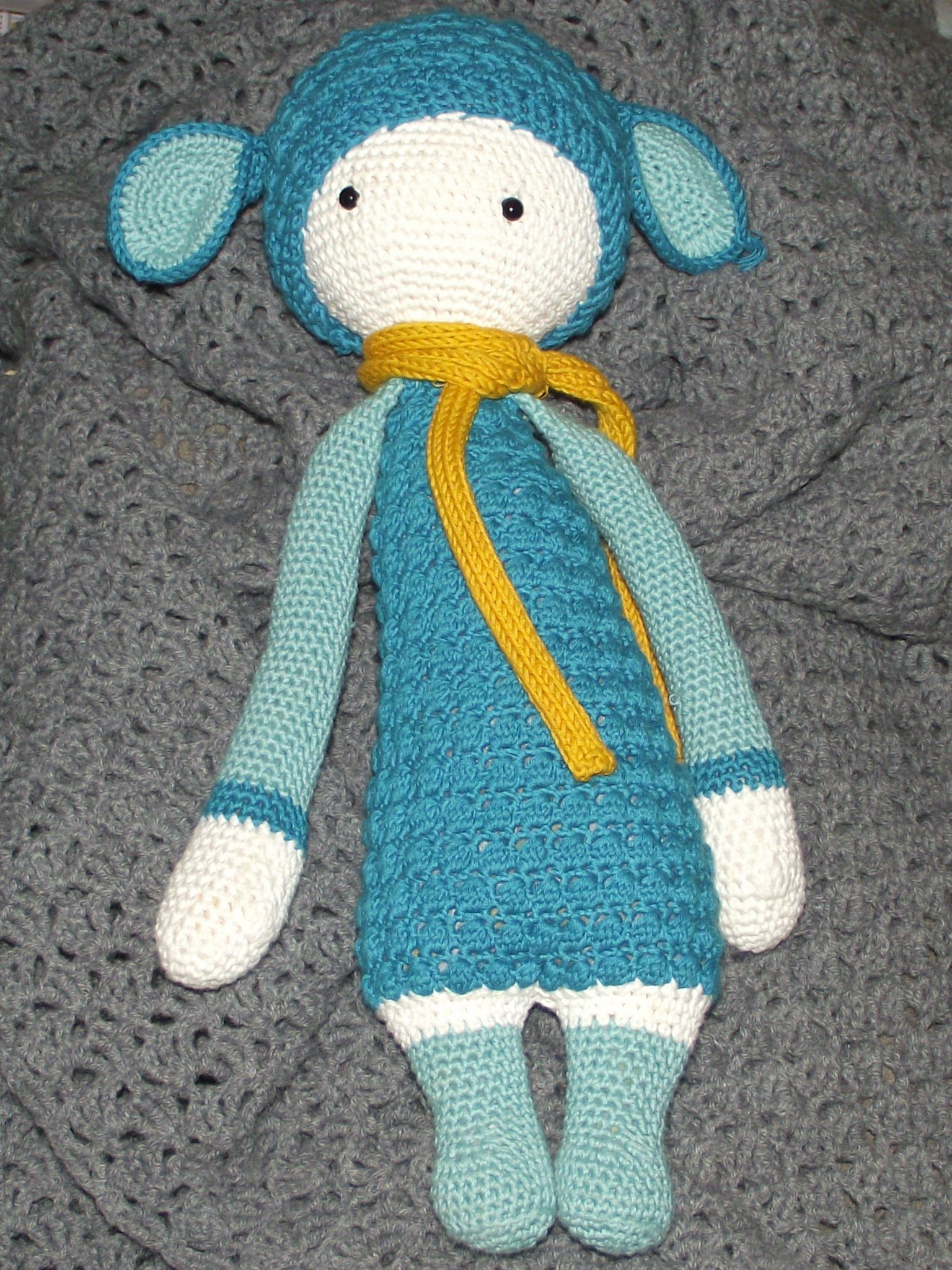 LUPO the lamb made by Aurore M. / crochet pattern by lalylala