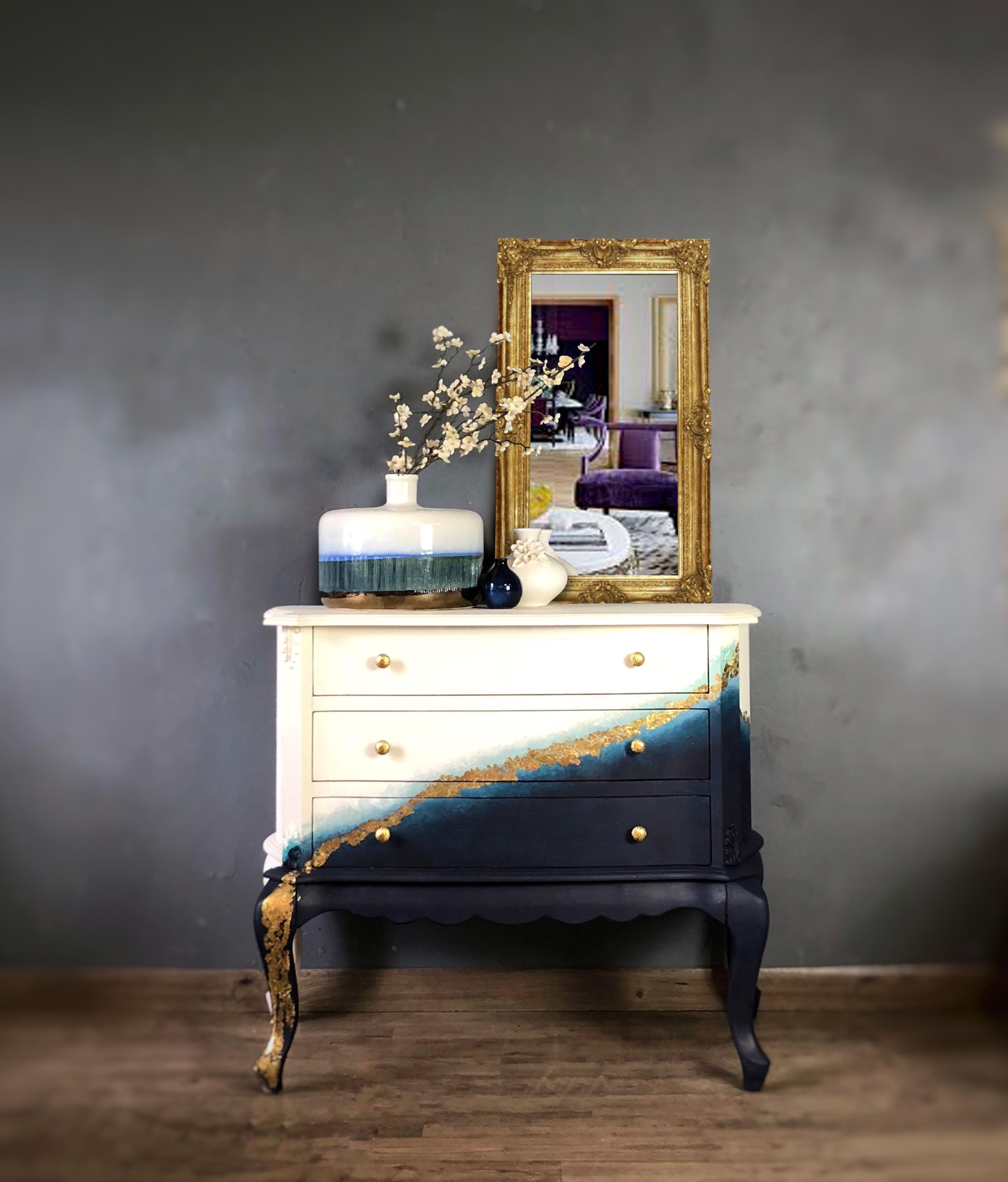 Gold Leaf Geode | General Finishes 2018 Design Challenge Gold Leaf Geode | General Finishes 2018 Design Challenge Brigitte mx31 Möbel You can't help but to look at this[…]  #Challenge #Design #Finishes #general #Geode #Gold #Leaf #ombre painted furniture #navyblueshortdress