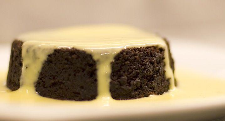 Selo Reserva - Pudim extra preto de chocolate com crème anglaise  https://www.seloreserva.com.br/artigo/pudim-extra-preto-de-chocolate-com-creme-anglaise-75
