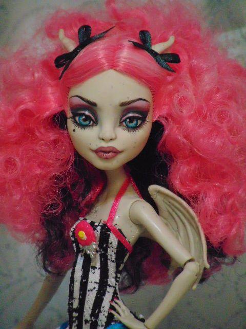 Enya OOAK Monster High Rochelle Goyle Repaint Doll by Bordello   eBay