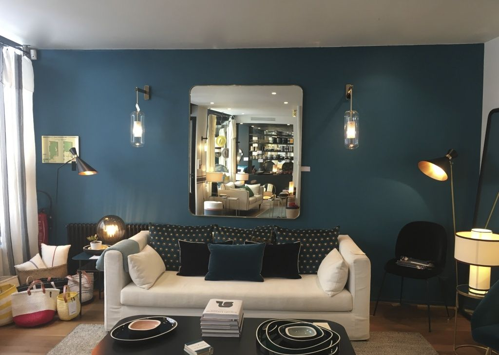 circuit parisien sarah lavoine sarah lavoine maison sarah lavoine et coussin velours. Black Bedroom Furniture Sets. Home Design Ideas