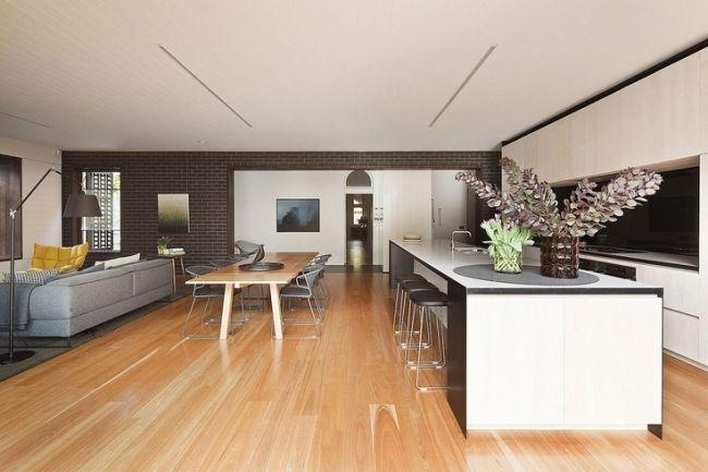 Charmant Wohnzimmer Und Küche In Einem Esszimmer Offen Holzboden