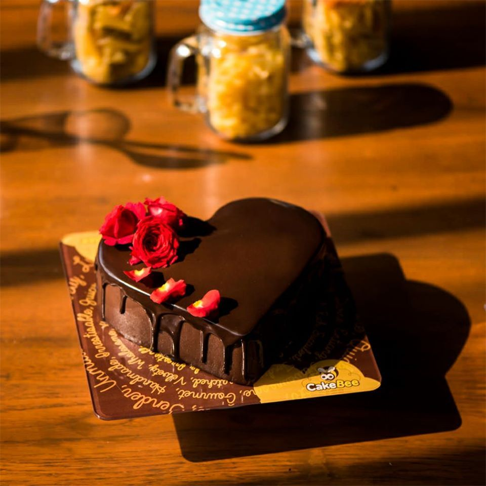 Are you in search of yummilicious cakes?  Then you've landed in correct place to surprise your lovable one's with delectable cakes. Surprise your close one's with our exotic cakes on their birthday's and anniversaries.