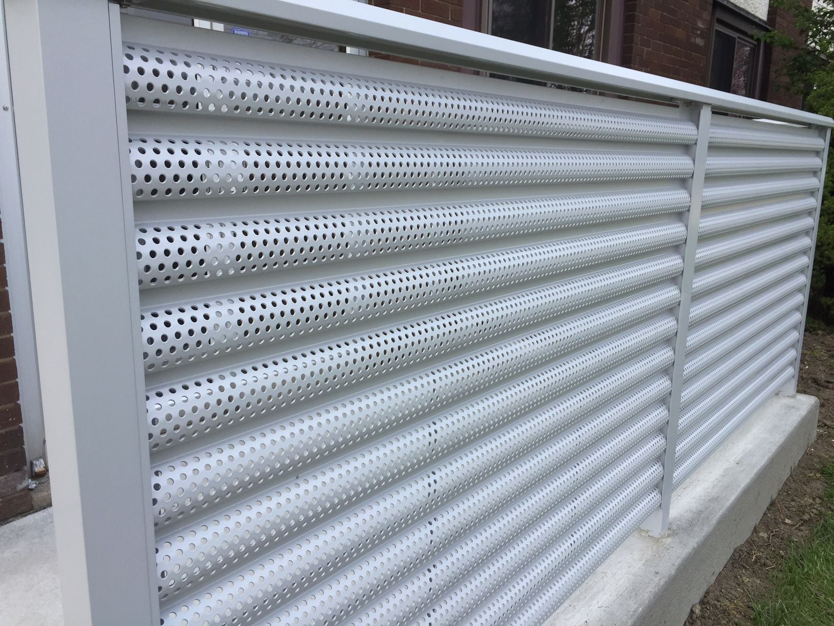 Aluminum Perforated Fence Ametco Manufacturing In 2020 Metal Fence Panels Perforated Metal House Gate Design