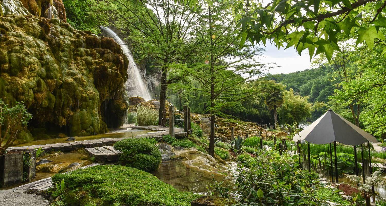 Le Jardin des Fontaines pétrifiantes en #isère   Découverte du ...